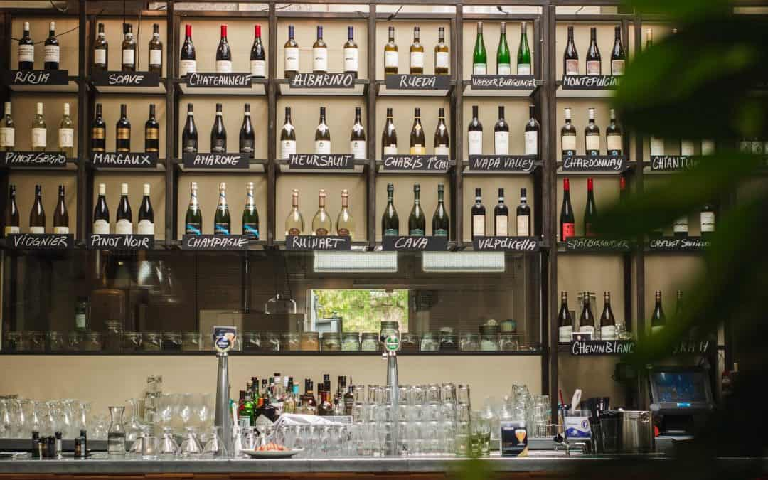 How to Design and Impressive Home Wine Bar