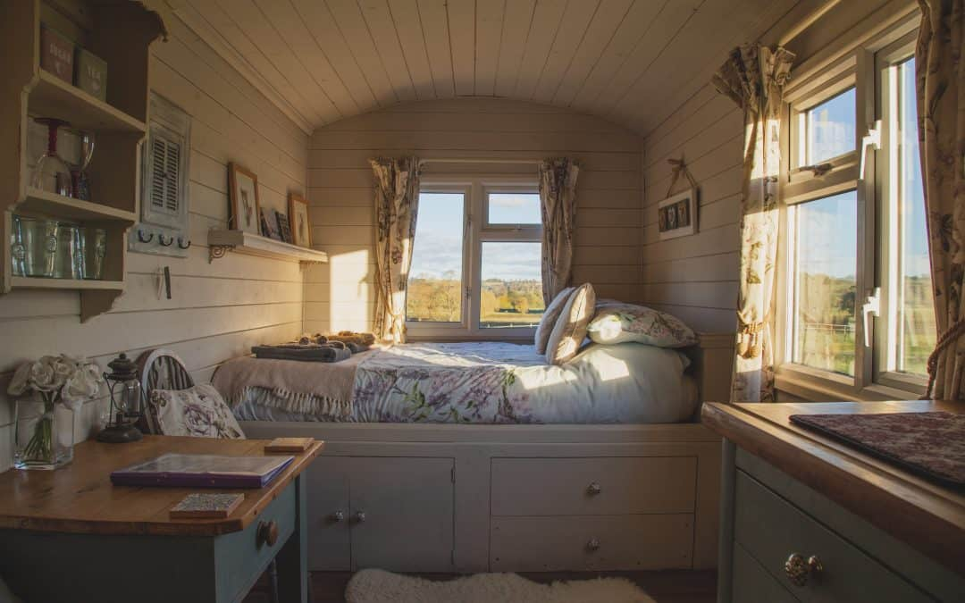 6 Must Know Decorating Tips for Tiny House Owners